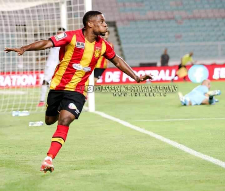 Anayo Iwuala's lone  goal  wins his  first trophy with his new club Esperance